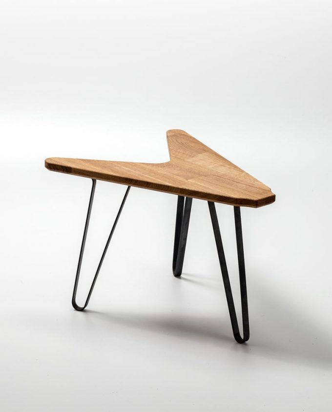 Guitar Table The V Ruwdesign