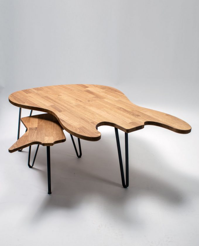 Ruwdesign-Jazz-Bass-Coffee-Table-Explorer-guitar-table