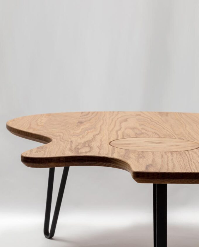 Ruwdesign-Guitar-Coffee-Table-Acoustic-Guitar-The-Grand-Fron-webt