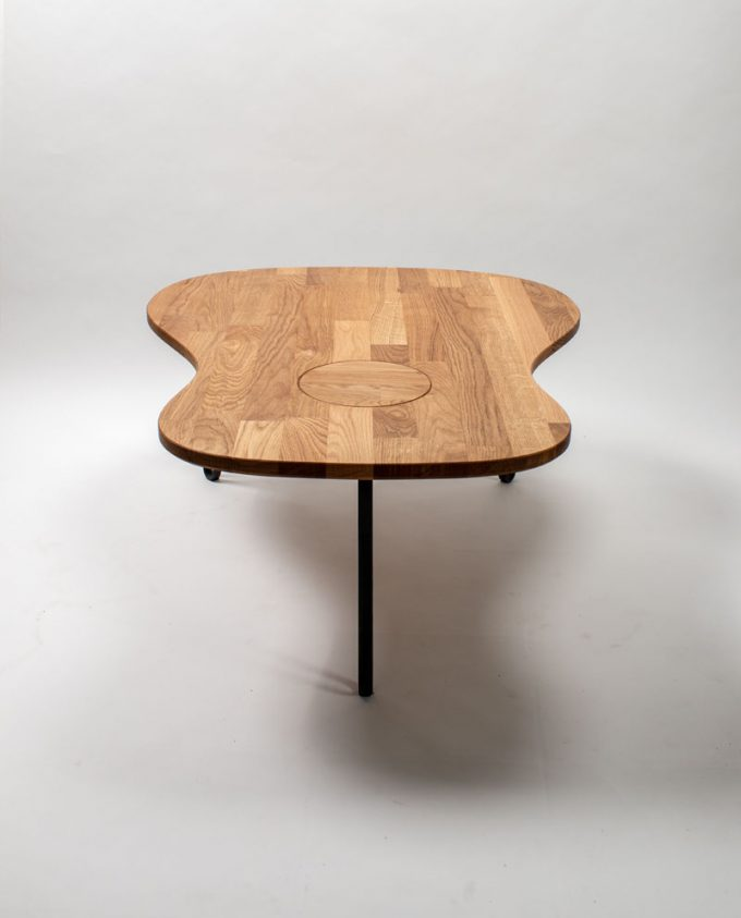 Ruwdesign-guitar-coffee-table-front